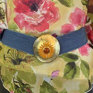 Vintage Stretch Belt With Flower Buckle